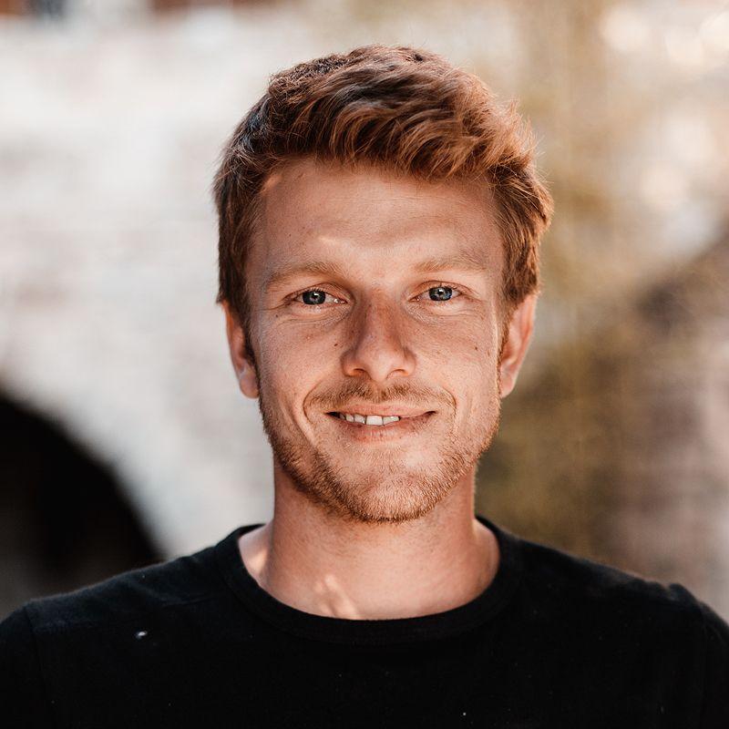 Florian Niedeggen, Le Mas Bleu Vermietung von Ferienwohnungen Balbiac in der  Ardèche