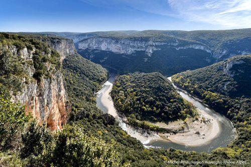 Besuchen Sie den Pont d'Arc in der Ardècheschlucht